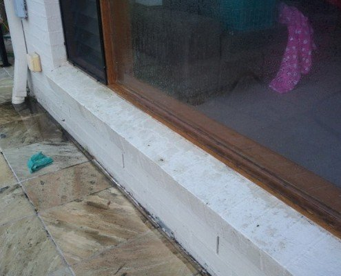 Pressure cleaning brisbane concrete tiles walls icu for Cleaning concrete walls