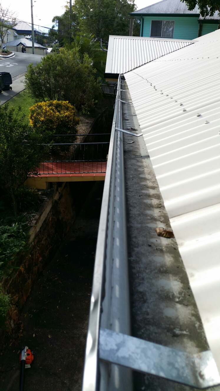 High Quality Gutter Clean in Milton