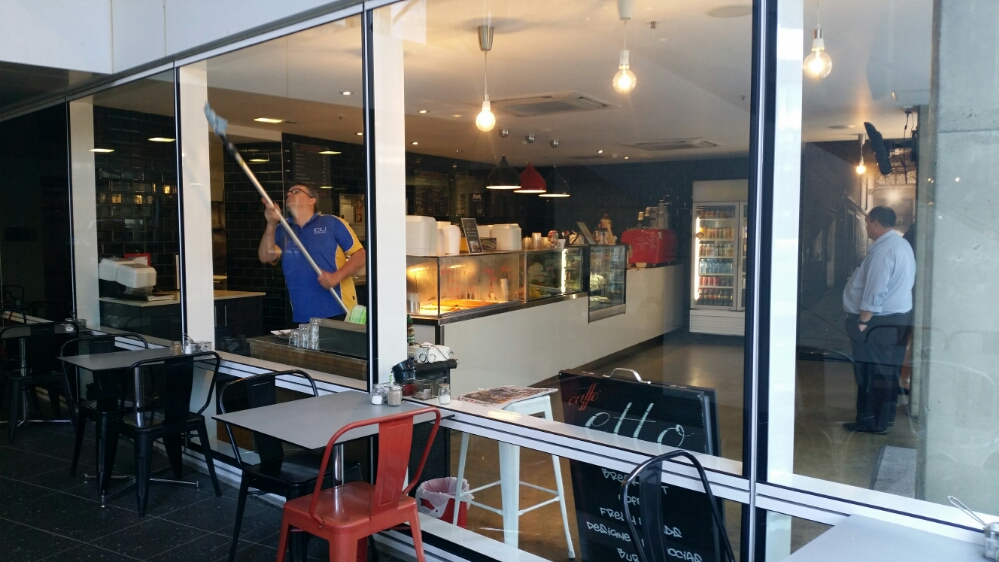 Cheap Commercial Window Cleaning in Brisbane - 9
