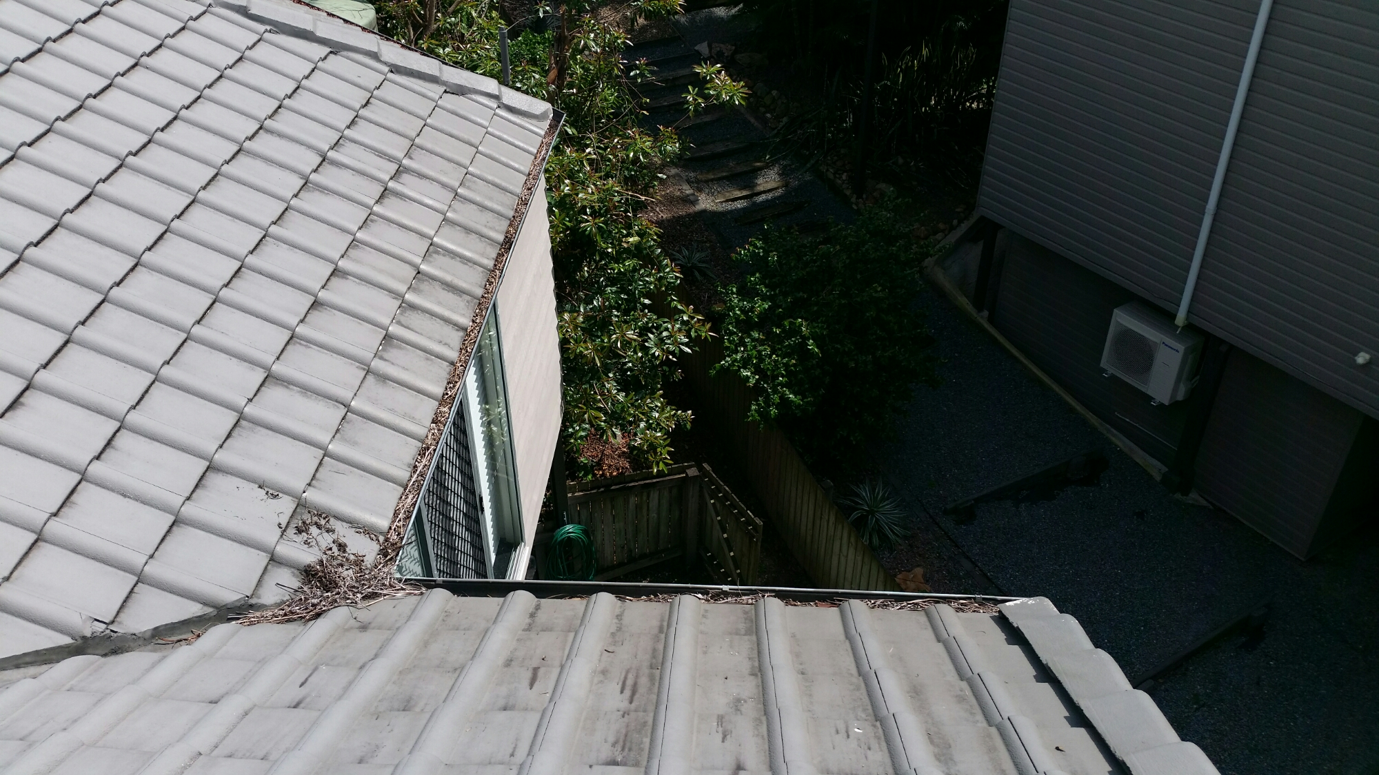Before ICU Gutter Cleaning in Kenmore Hills - 4