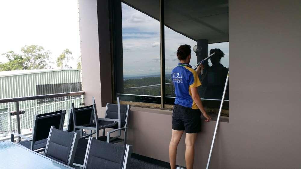 Channel Ten Window Cleaning By ICU