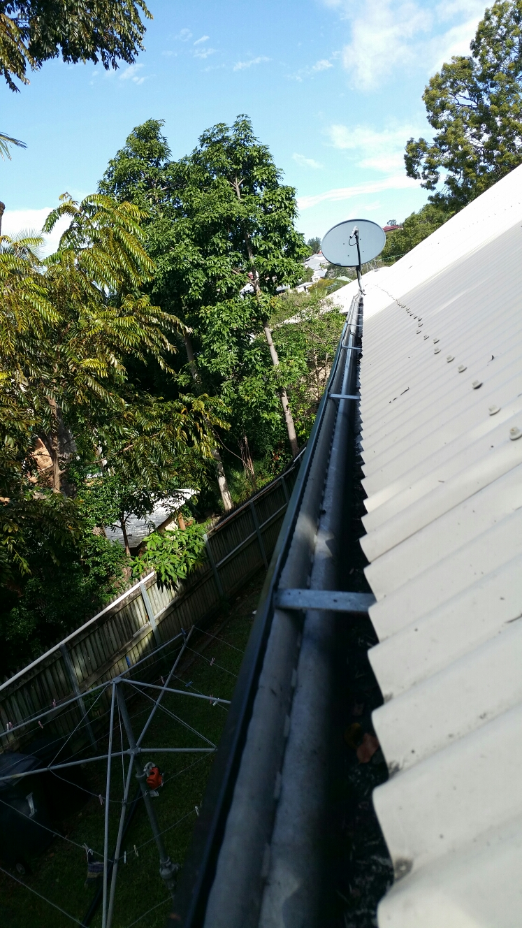Best Gutter Clean in Milton