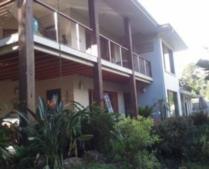 Residential Window Cleaner Indooroopilly - ICU Cleaning